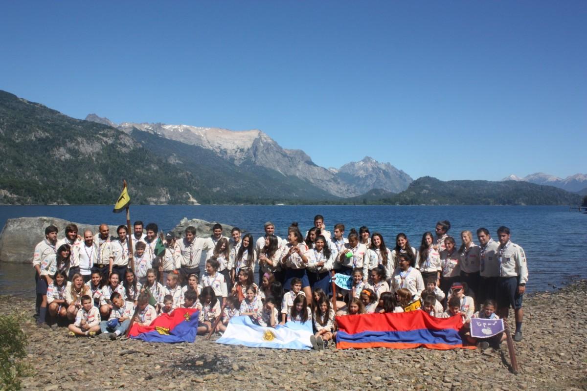 foto-general-Campamento-Lago-moreno-2013-lago-achicada